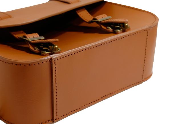 TM レザー 本革製サドルバッグ 強化された底部