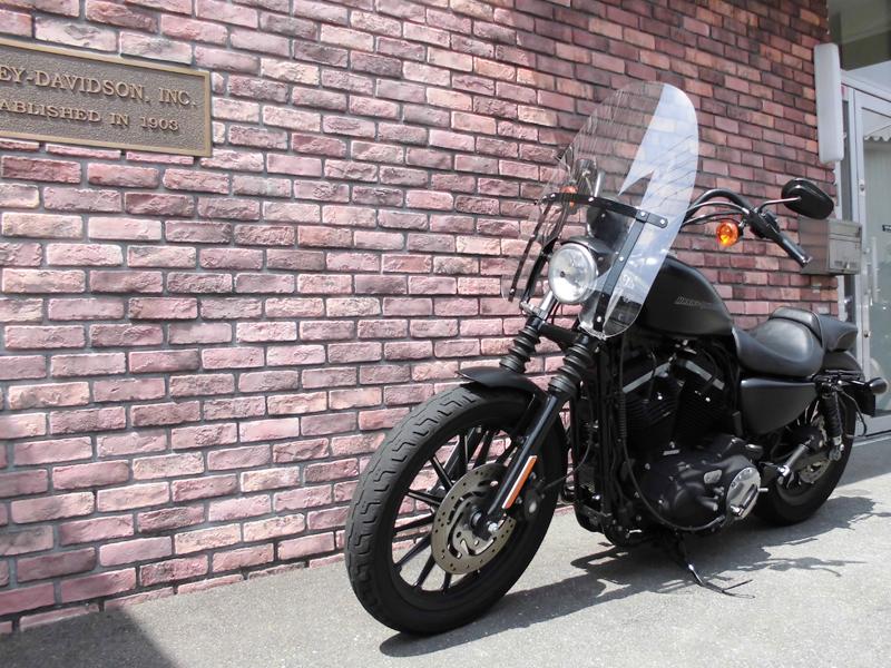 2011 XL883N Iron