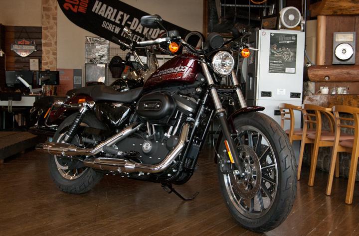 2015年モデル ハーレーダビッドソン XL883R