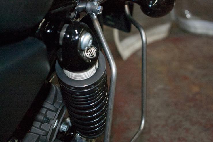 寺田モーターススポーツスター用ベルトストッパー付きサドルバッグサポート BS-B1
