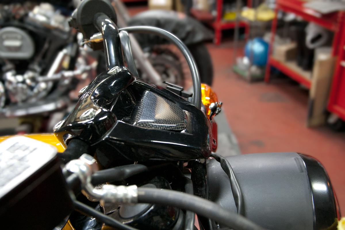 Harley Davidson Street 750スピードメーターオフセットキット取り付け例