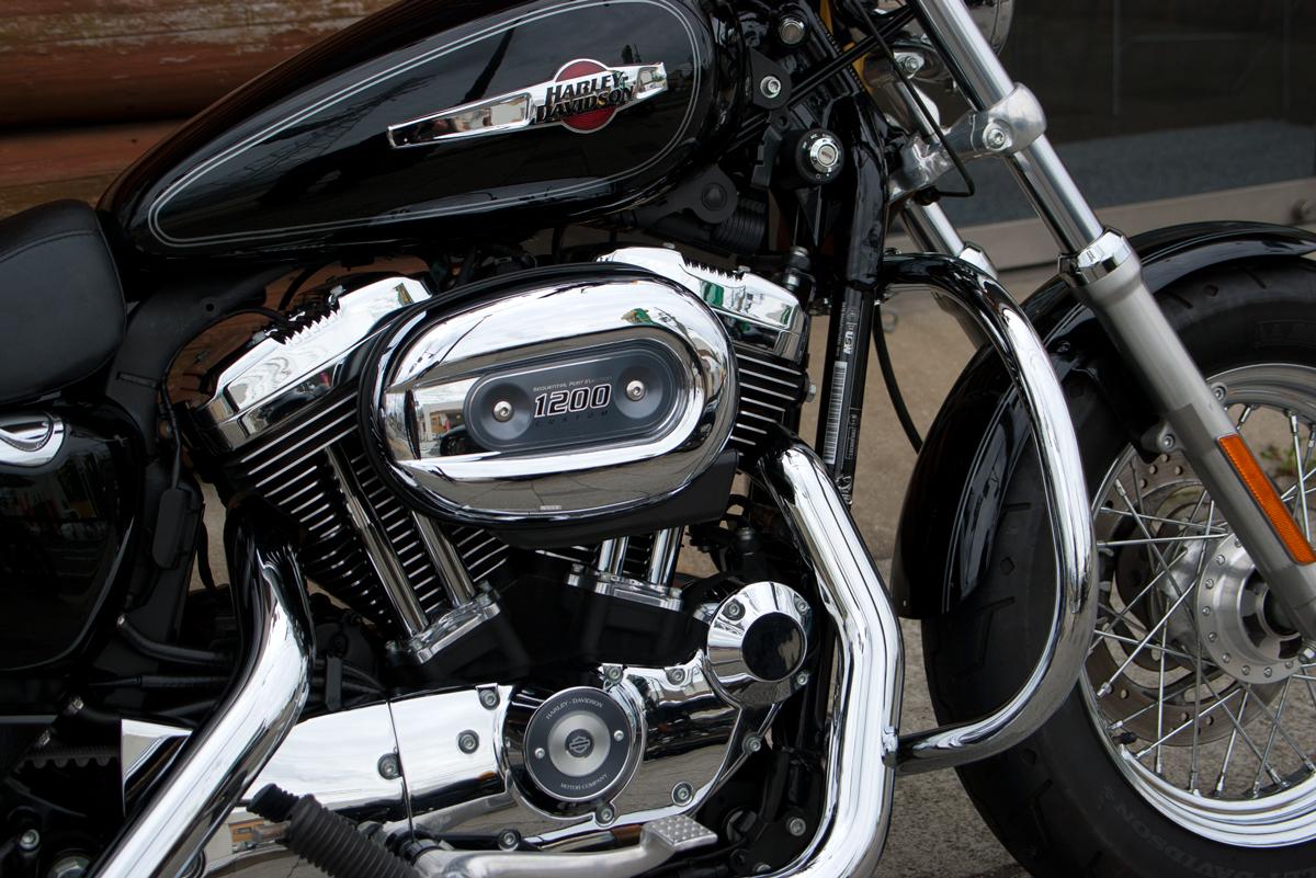 Harley-Davidson 2013 XL1200C Custom