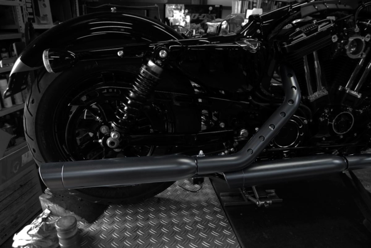 Harley-Davidson screamin eagle exhaust on forty eight