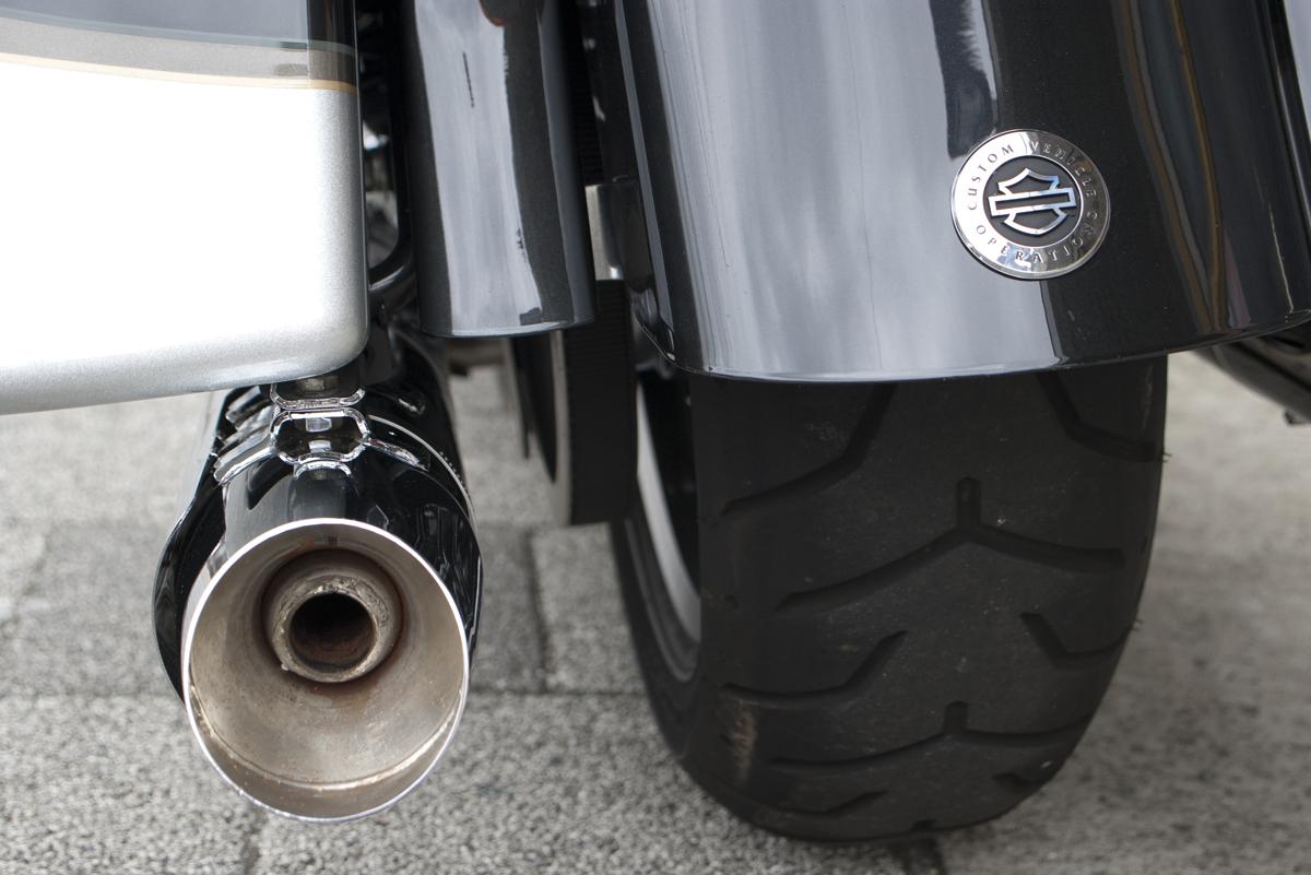 2013年 Harley davidson CVO FLHTCUSE8
