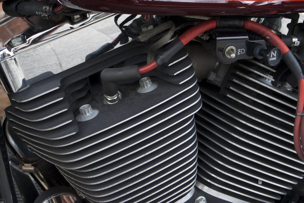 FLSTS ヘリテイジスプリンガー エンジン