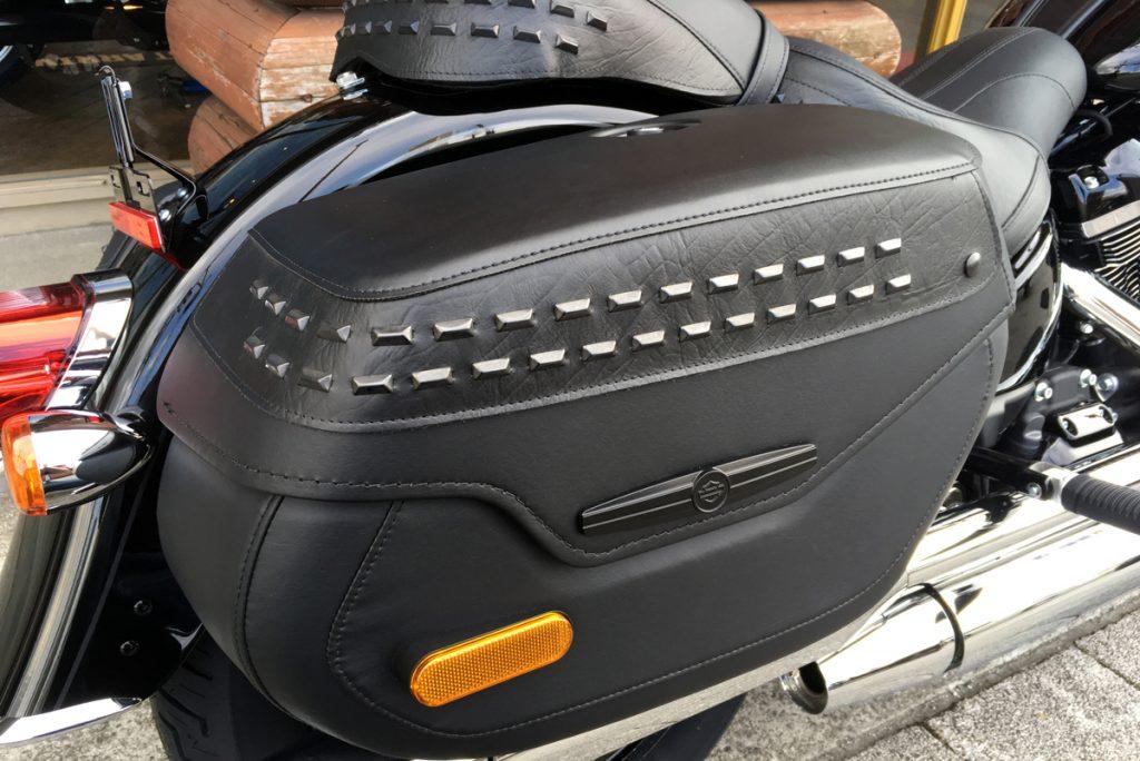 FLHCS ヘリテイジソフテイル サドルバッグ