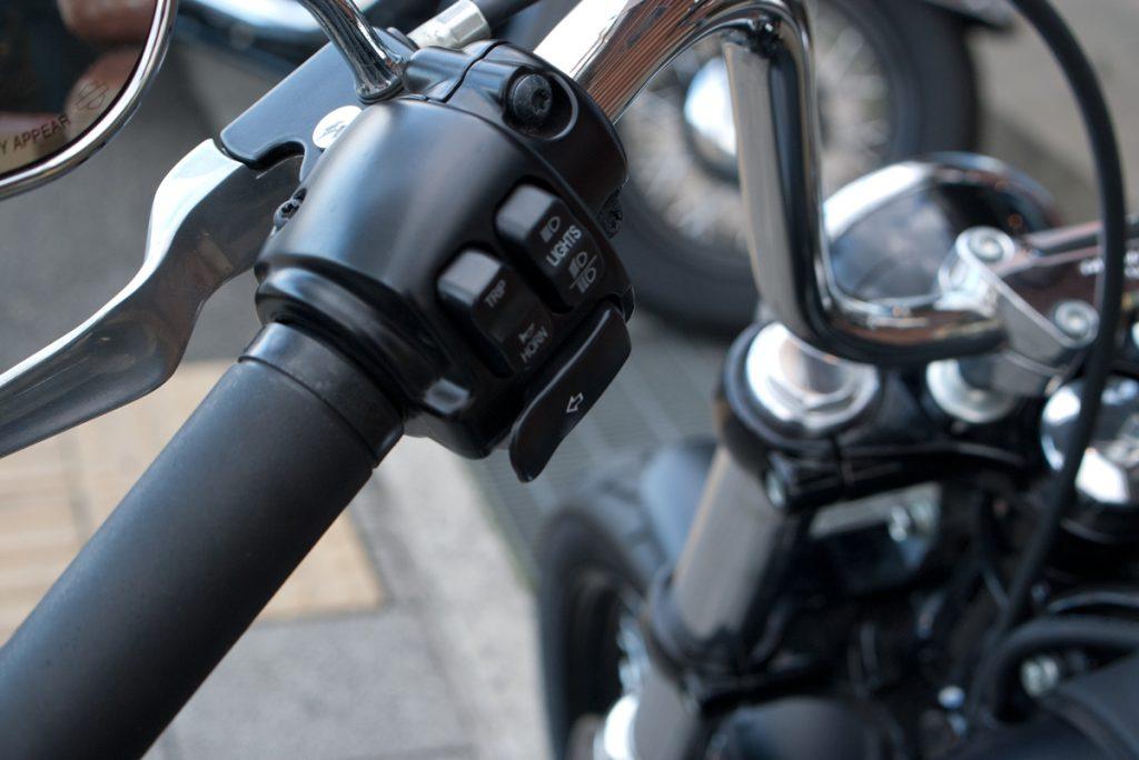 2012 FXDB ストリートボブ ウインカーエクステンション