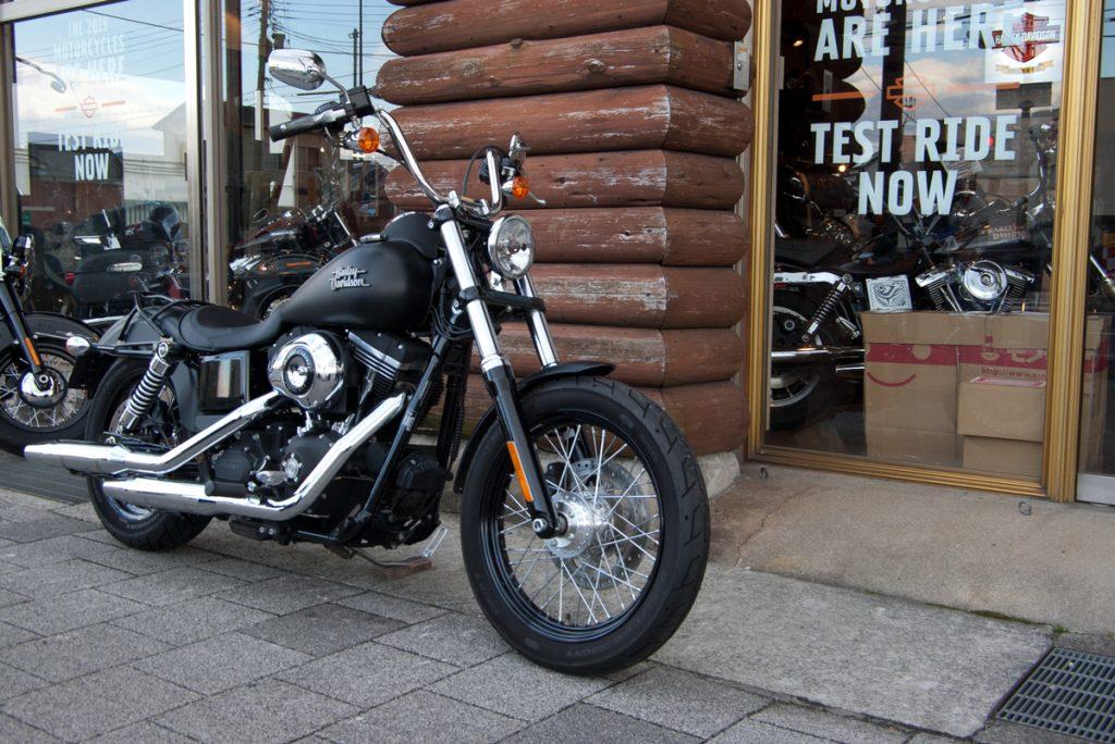 2012 FXDB ストリートボブ ブラックデニム