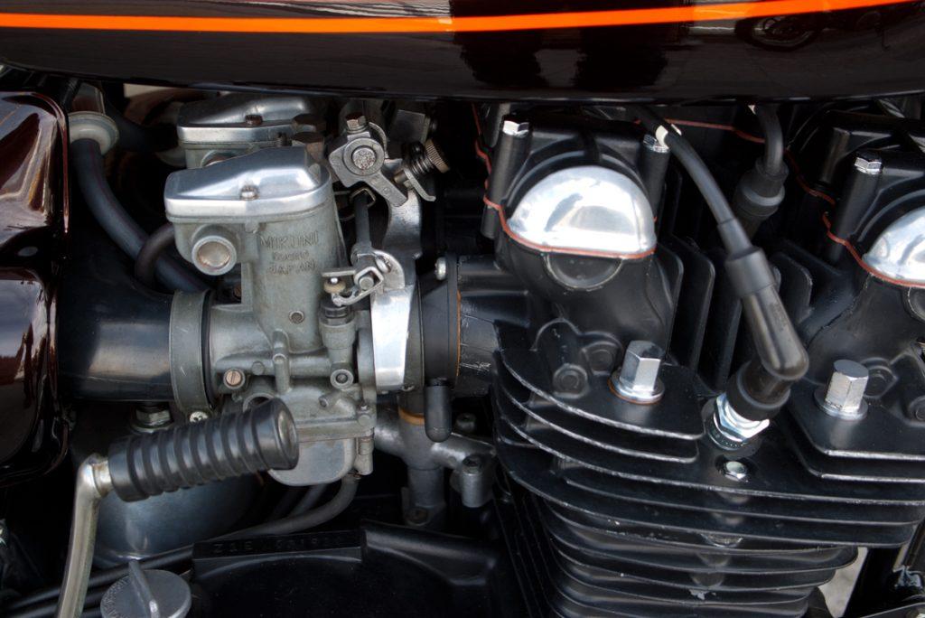 1975年 Kawasaki Z1B エンジン