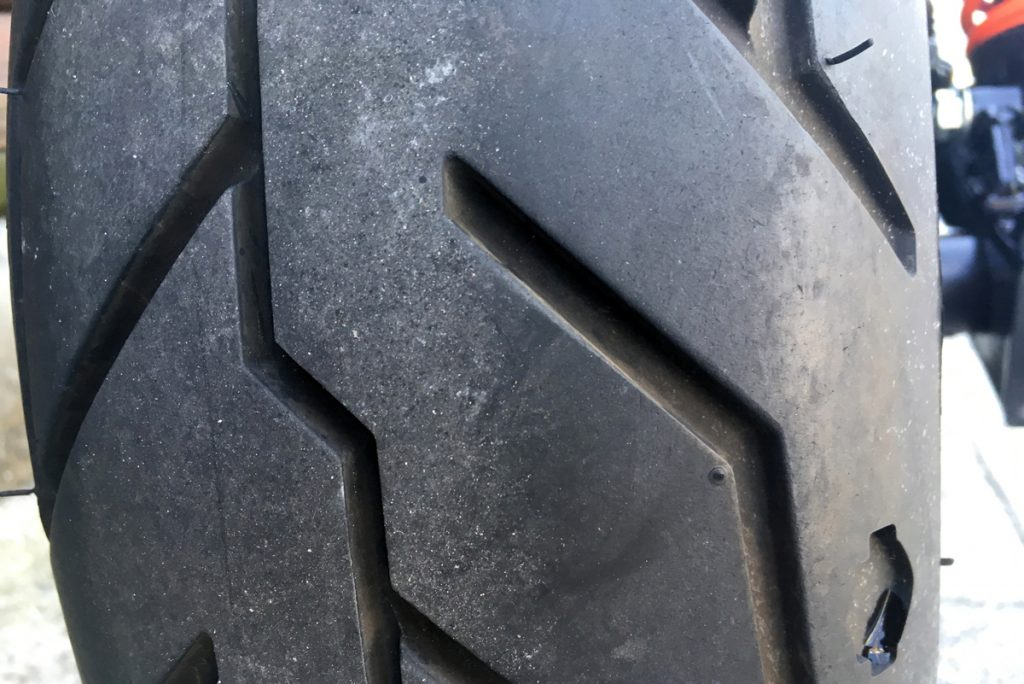 ハーレー ストリートロッド中古車 タイヤ