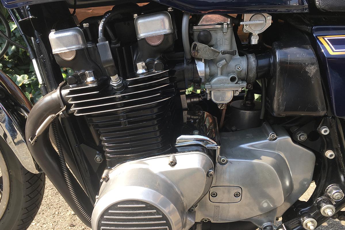 カワサキ Z750FX エンジン
