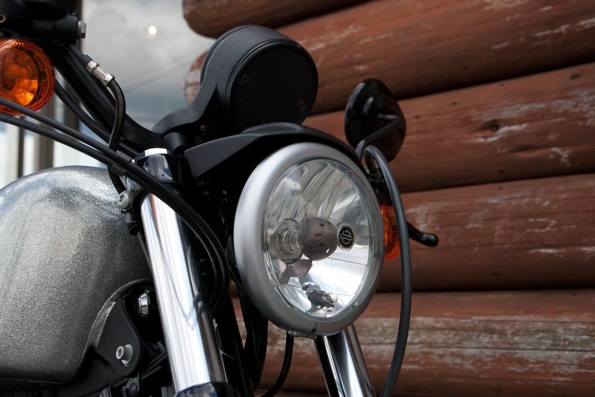iron 883 ヘッドライト
