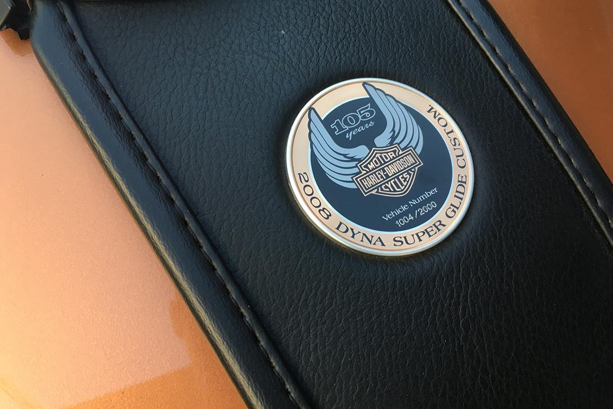 スーパーグライドカスタム 105周年記念モデル タンクコンソール