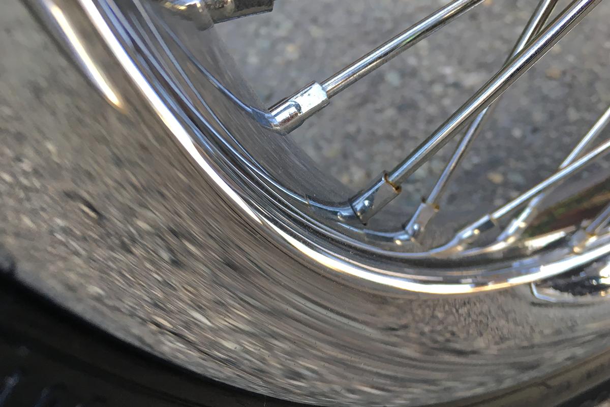 スーパーグライドカスタム 105周年記念モデル ホイール