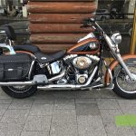 "<font style=""font-size:90%;"">2008年 FLSTC Softail Heritage Classic 105th ani.<br><font style=""font-size:50%;"">車両本体価格:</font>109<font style=""font-size:50%;"">万円</font> / <font style=""font-size:50%;"">走行距離:</font>4,493<font style=""font-size:50%;"">km</font></font><font style=""color:red;font-size:80%;"">sold out</font>"