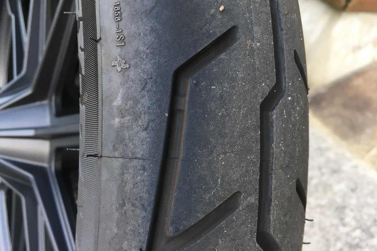 XL1200NS タイヤ