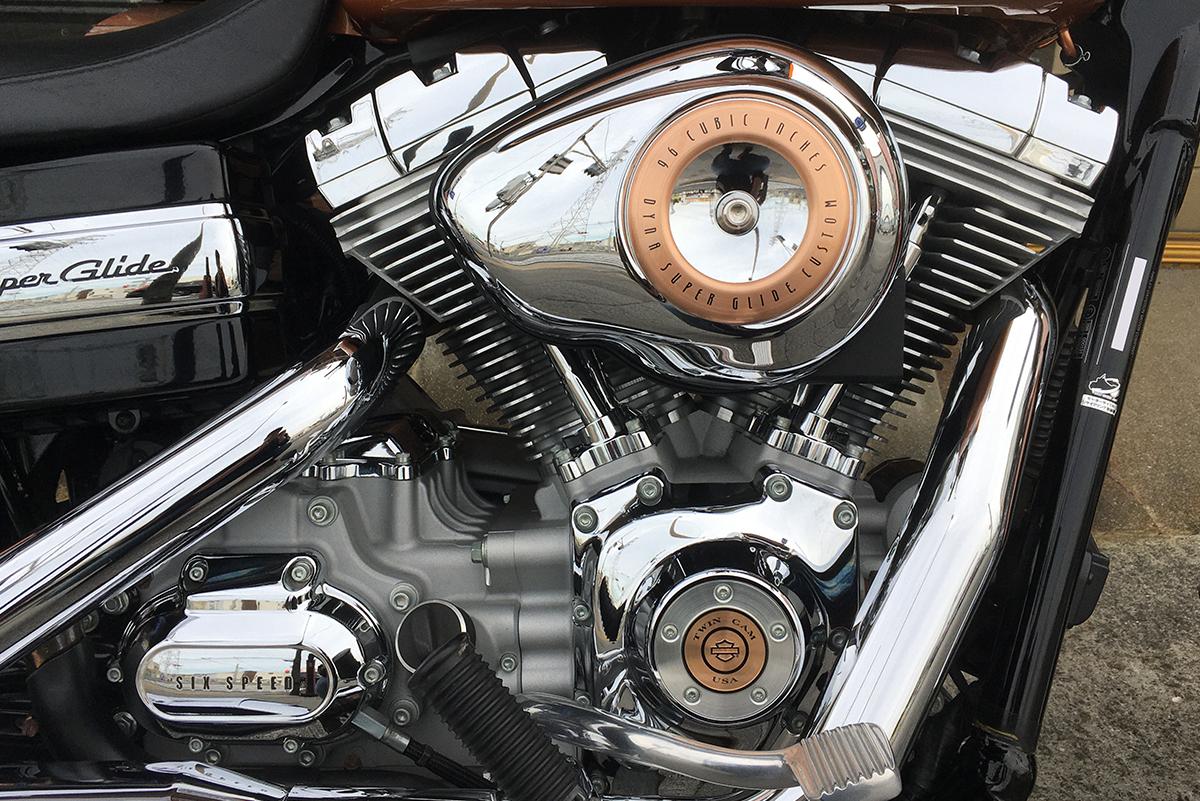 FXDC ツインカムエンジン