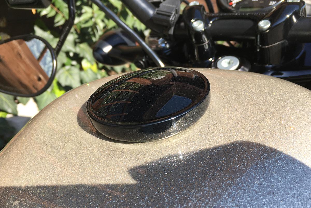 XL1200X タンクキャップ