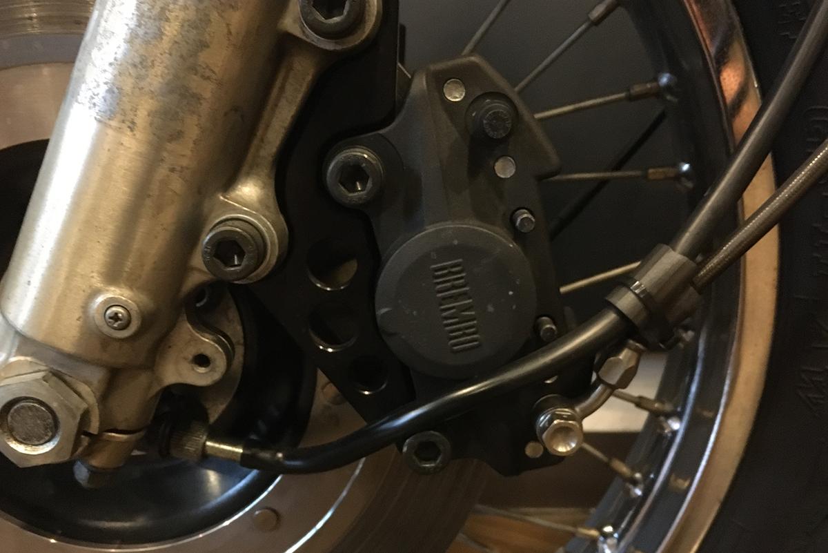 KZ1000A2 ブレンボ製キャリパー