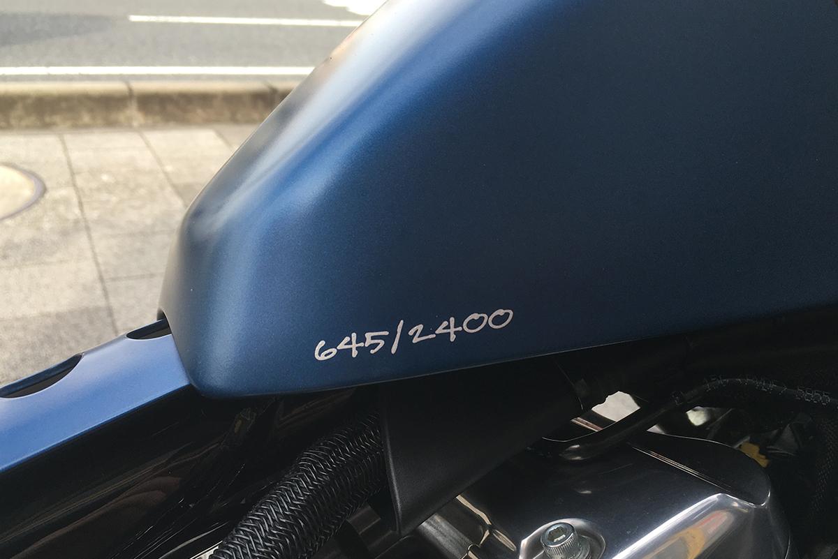XL1200X シリアルナンバー